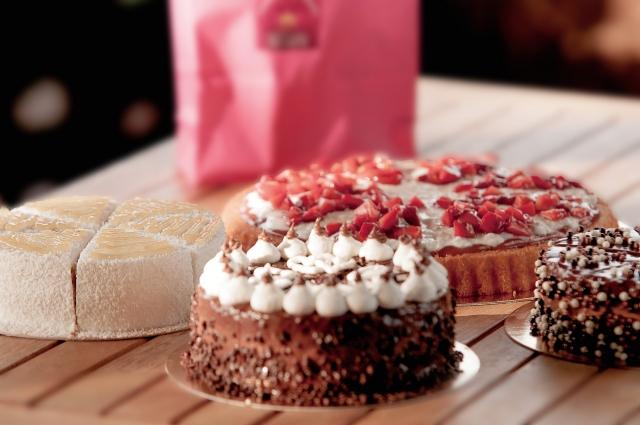 ケーキの箱どこに売ってる